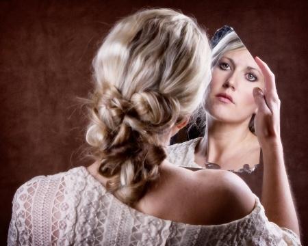 Serez vous tent e par un je ne du miroir image nouvelle for Regard dans le miroir